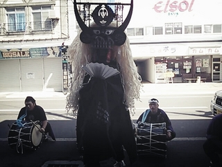 2012鷹鳥屋シシ踊り.jpg